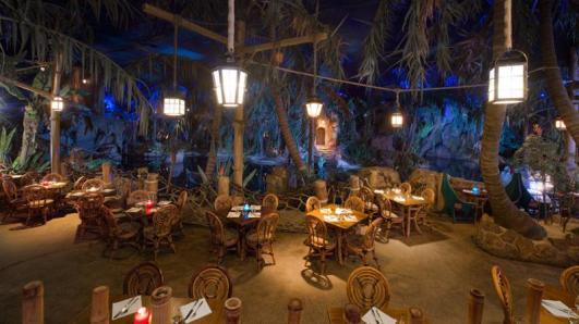 n017807_2050jan01_blue-lagoon-restaurant_16-9_tcm808-158858-800x450